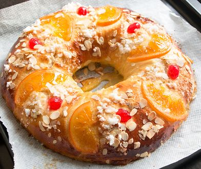"""Homemade """"Roscon de reyes"""" , Spanish typical dessert of Epiphany, in the oven plate"""