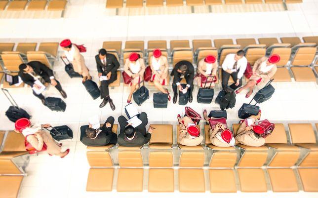 Praca dotyczy bazy w Dubaju, więc kandydaci muszą być gotowi na przeprowadzkę do Zjednoczonych Emiratów Arabskich