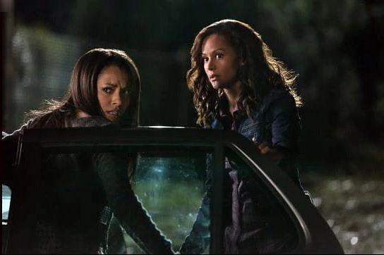 Pamiętniki wampirów sezon 3, odcinek 12: Więzy, które łączą (The Ties That Bind)