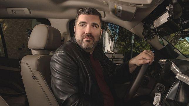"""""""Medium z taksówki"""": klient wsiada, a on zaczyna przeprowadzać seans"""