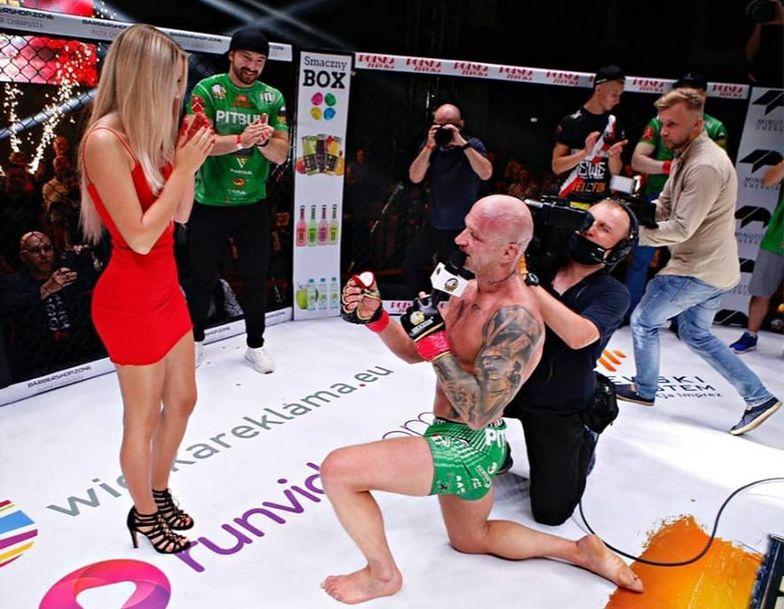 Zawodnik MMA oświadczył się po walce. Widziała to cała Polska