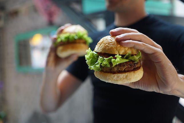 """""""Wege burgery"""" mogą zniknąć. Bruksela chce zakazać żywnościowych oksymoronów"""