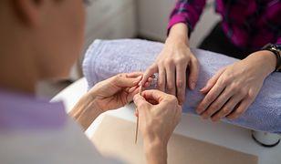 Właścicielka salonu kosmetycznego przekonuje, że znalezienie dobrych manicurzystek to zadanie bardzo trudne