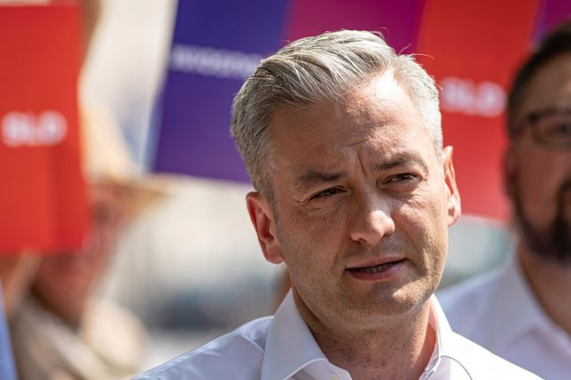 1 listopada. Robert Biedroń wspomina dręczonych członków społeczności LGBT, którzy popełnili samobójstwo