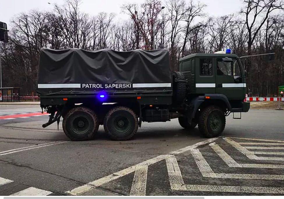 Warszawa. Niewybuch na budowie na Woli. Na miejscu pracują saperzy. Ewakuowano lokatorów 70 mieszkań