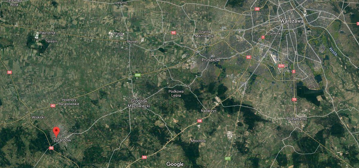 Mazowieckie. Auto wjechało w przystanek w Żyrardowie, nie żyje 78-letnia kobieta