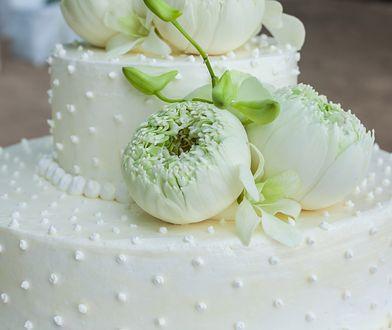 Zamówiła tort weselny. Nie mogła uwierzyć w to, co odebrała
