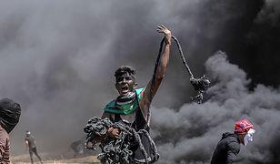 """Część demonstrantów była """"uzbrojona"""" w proce i kamienie"""