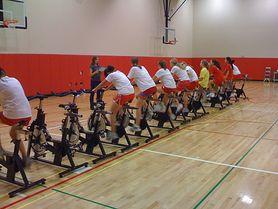 Rower stacjonarny - jaki wybrać, porady dla ćwiczących