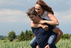 """Paweł z """"Rolnika"""" jest zakochany po uszy. Świętuje drugą rocznicę ślubu"""