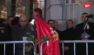 Najbardziej wzruszający moment wiecu w Gdańsku. Tysiące ludzi płakało