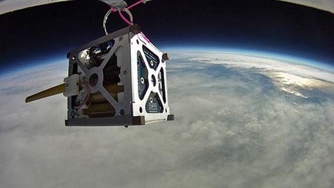 Pierwszy polski komercyjny satelita na orbicie w 2018 roku. Czy uda się wyjść z nędzy polskiej kosmonautyki?