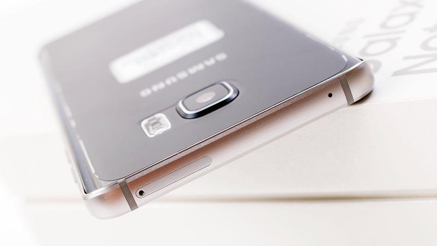 Samsung pracuje nad zupełnie nowym smartfonem, depositphotos
