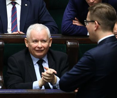 Czy Jarosław Kaczyński będzie zmuszony wejść w koalicję z liderem Konfederacji - Robertem Winnickim?