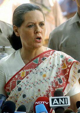 Sonia Gandhi waha się, czy zostać premierem