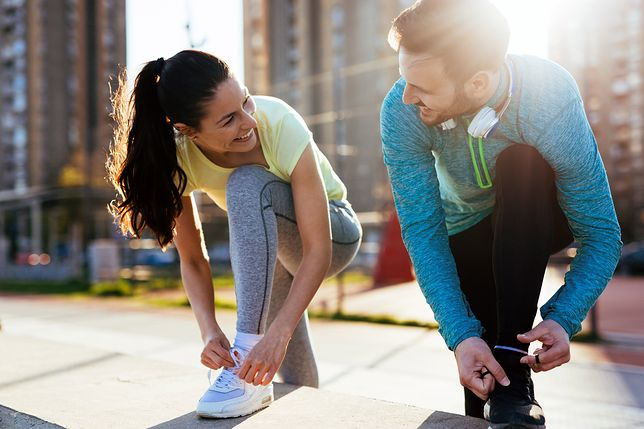 Dobrą motywacją do ćwiczeń jest uprawianie aktywności fizycznej z drugą osobą.