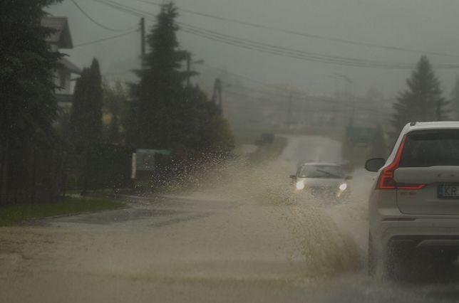 Groźne ulewy w większości rejonów Polski