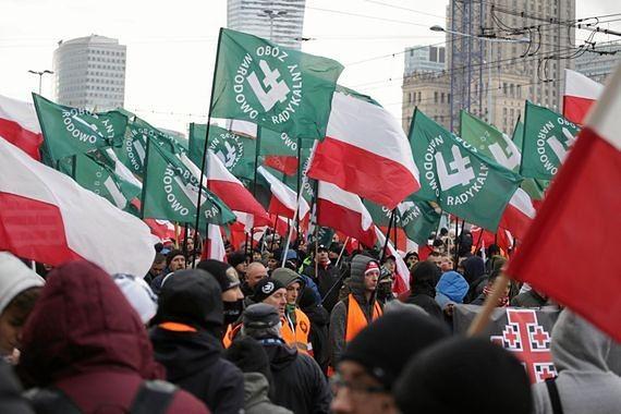 """""""Ostatni marsz faszystów w Warszawie odbył się w 1939 roku, a falanga jest symbolem Marynarki Wojennej"""". Tak twierdzi poseł Kukiz'15"""