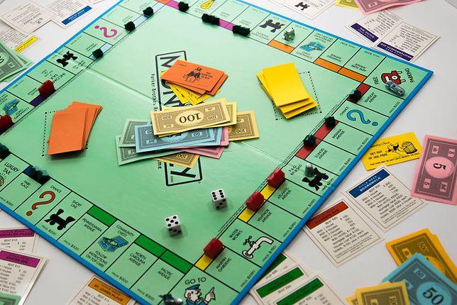 Do współczesnych klasyków gier planszowych można zaliczyć tytuły takie jak Monopoly czy Osadnicy z Catanu