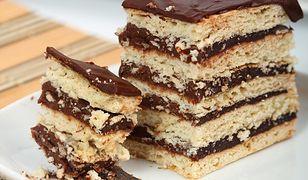 Ciasto na słonych krakersach z masą czekoladową
