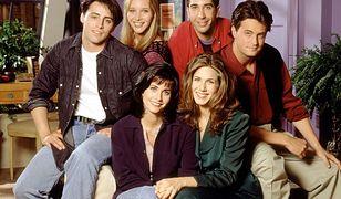 """Jennifer Aniston zdradza historię nieznanego zdjęcia obsady """"Przyjaciół"""". Kiedy zostało zrobione?"""