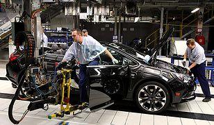 Branża motoryzacyjna jedzie na rezerwie - brakuje pracowników w Polsce