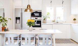 W niewielkich kuchniach każdy centymetr jest na wagę złota. Zobacz, jak optymalnie wykorzystać dostępną przestrzeń.
