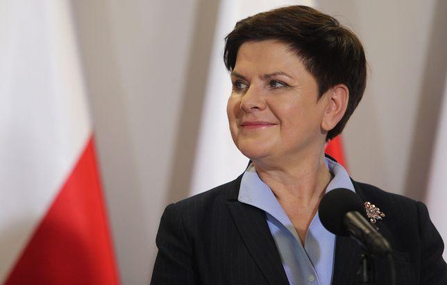 """Beata Szydło pozdrowiła uczestników """"Różańca do granic"""""""