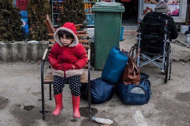 Dziecko w obozie dla uchodźców przy granicy Serbii z Macedonią