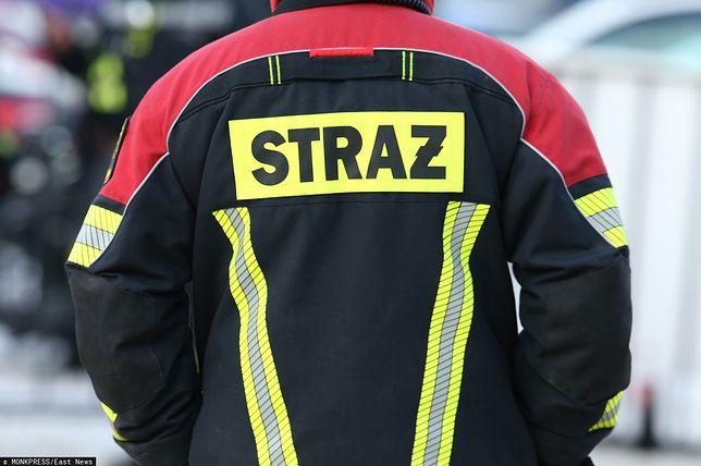 Strażacy zgłoszenie o pożarze otrzymali przed godz. 10