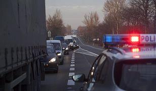 """Kierująca autem kobieta tłumaczyła potem policji, że """"tak pokierowała ją nawigacja"""" (zdj. ilustr.)"""