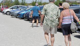 Emeryci na wakacjach - po obniżce PIT zyskają kilkanaście złotych co miesiąc