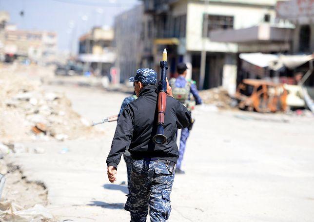 """Ofensywa wojsk lądowych w celu odbicia Tal Afar. """"Poddajcie się albo zginiecie"""""""