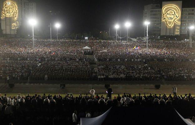 Wielotysięczne zgromadzenie poświęcone pamięci Fidela Castro