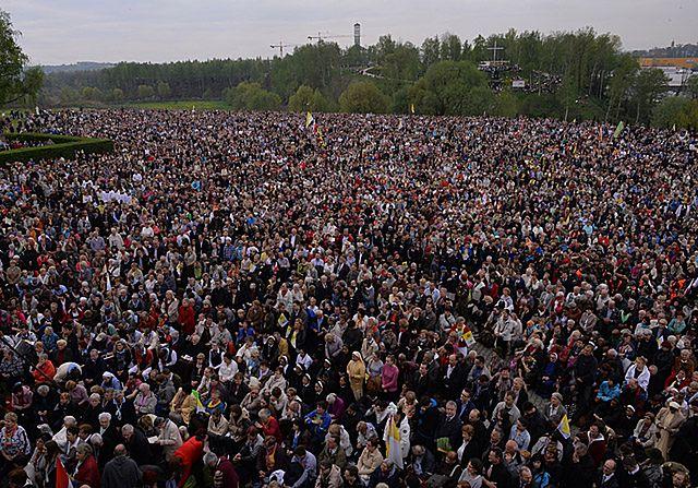 Cała Polska świętowała kanonizację papieża - zdjęcia