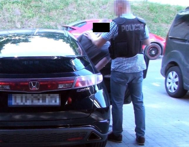 CBŚP rozbiła grupę kradnącą samochody