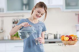 Co daje picie wody? Korzyści, wpływ na organizm, zalecana ilość, rodzaje wody