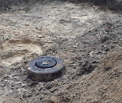 Warszawa. Na Bielanach znaleziono przedmioty mogące być niewybuchami