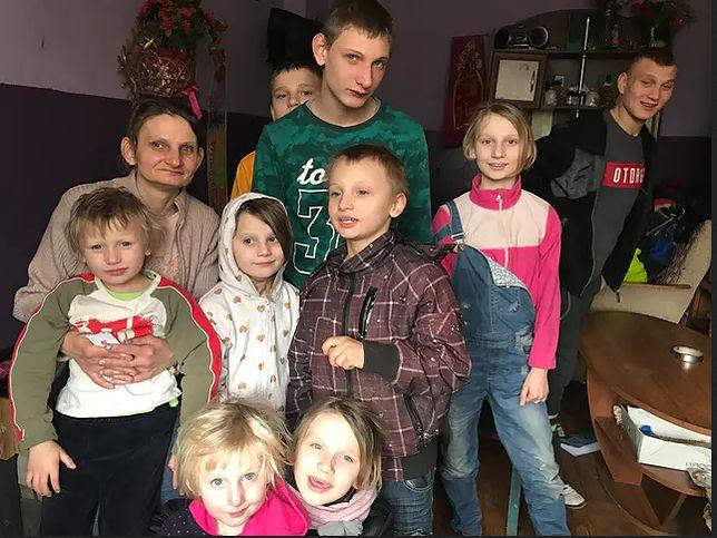 11 dzieci miało zostać odebranych matce. Sąd odroczył rozprawę