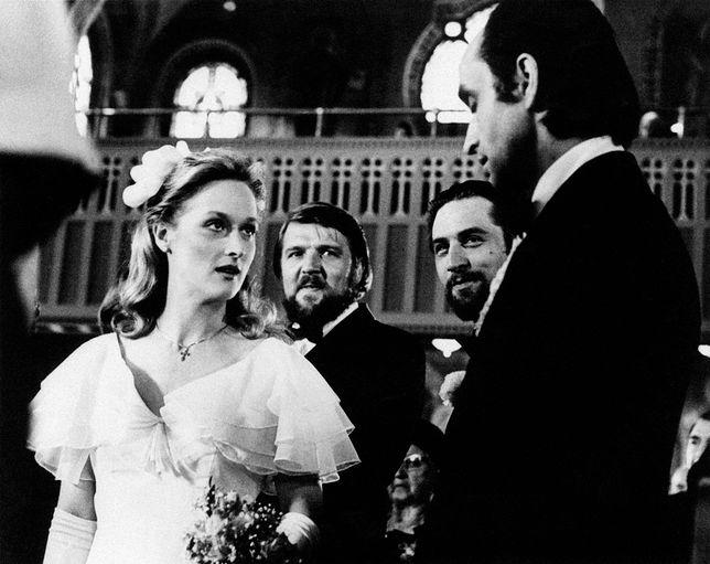 """Meryl Streep i John Cazale na planie """"Łowcy jeleni"""""""
