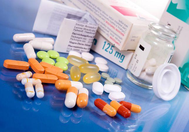 Będą dodatkowe środki na bezpłatne leki dla seniorów