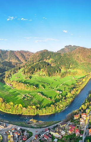 Widok ze Szczawnicy na przełom Dunajca i Sokolicę