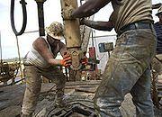 Baryłka ropy za 230 dolarów, ceny paliw ostro w górę