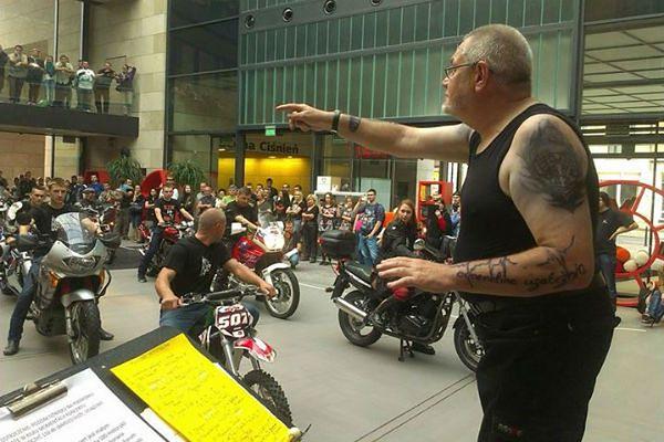 Tego jeszcze nie było - niezwykły koncert z udziałem 100 motocykli!