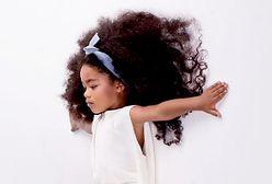 Ma 6 lat i burzę loków. To najpiękniejsze włosy Instagrama?