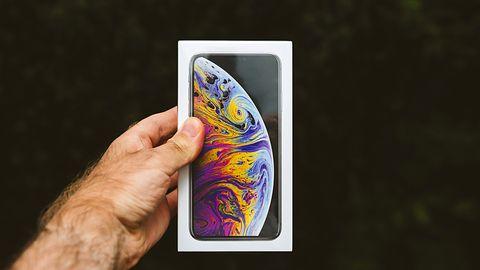 Użytkownicy iPhone'ów nie potrafią ich właściwie trzymać? Są pierwsze problemy z modelem XS
