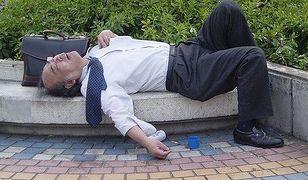 Praca wykańcza Japończyków. Wymowne zdjęcia