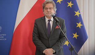 """Koronawirus. Jarosław Pinkas o prognozach służb. """"Subtelny spadek i znów wzrost"""""""
