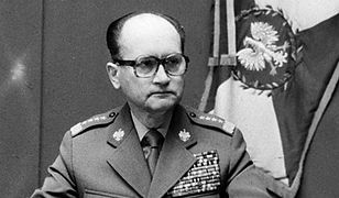 """Jak Polacy pamiętają wprowadzenie stanu wojennego? """"Czołgi i samochody jechały na Warszawę, nie wiedzieliśmy co się dzieje"""""""