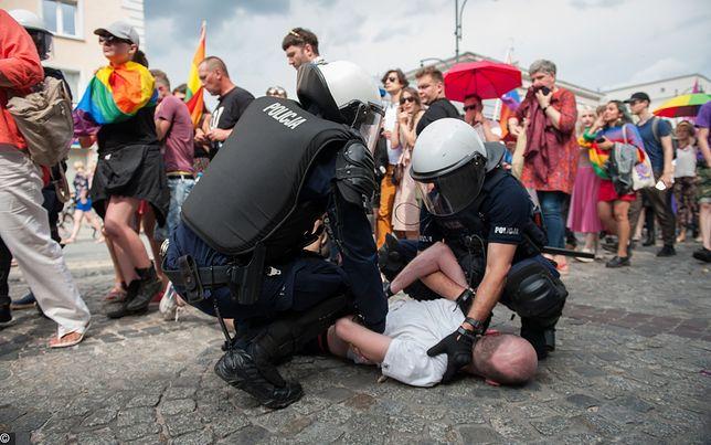 Białystok. Po zamieszkach na Marszu Równości policja zatrzymała 20 osób.